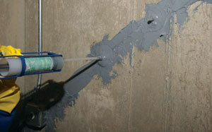 Leaky wall crack repair